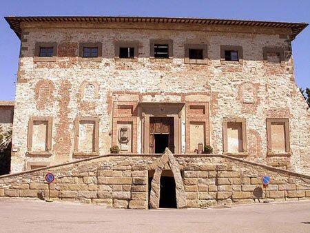 Fronte Palazzo della Corgna